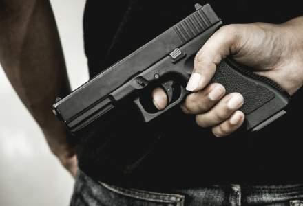Un barbat a fost amenintat cu un pistol in Constanta. I-a fost furata masina