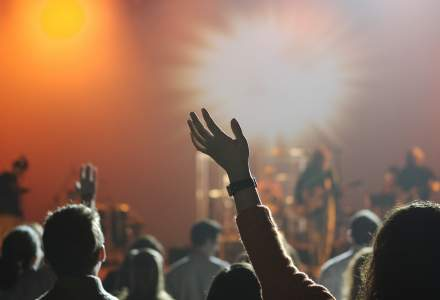 Flagrant intr-un club din Mamaia: Doi barbati au fost prinsi in timp ce incercau sa vanda cocaina, ecstasy si hasis