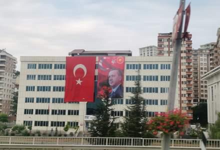 FOTO In trecere prin orasul natal al lui Erdogan: cum s-a pregatit Rize pentru vizita presedintelui Turciei