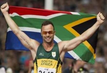 Companii precum Nike sau Thierry Mugler elimina produse asociate cu sportivul Oscar Pistorius