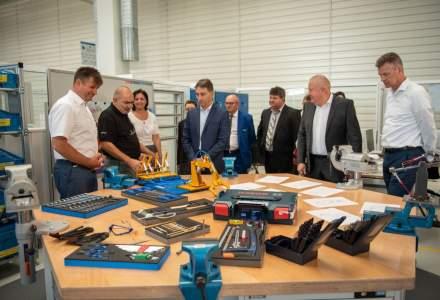 Bosch se implica in invatamantul dual: tinerii din Blaj vor putea invata meserie in fabrica detinuta de companie