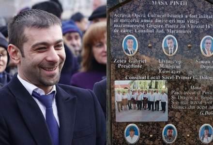 Gabriel Zetea, liderul PSD Maramures, si alti membri PSD au fost pusi pe un monument alaturi de figuri istorice
