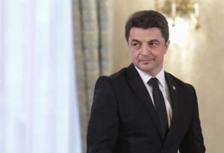 Ministrul Culturii cere demisia sefului Muzeului National dupa declaratii pe Facebook