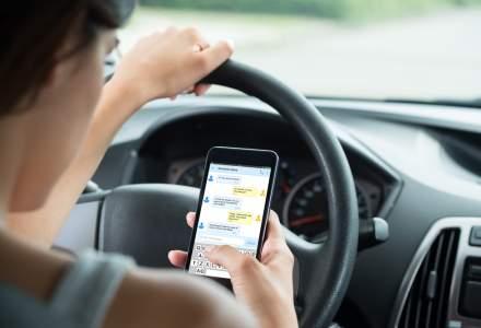 Politia anunta sanctiuni mai dure pentru soferii care folosesc telefonul la volan incepand din 12 octombrie