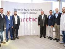 Arctic deschide primul centru...