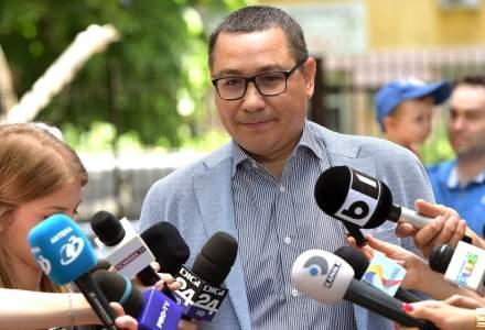 """Victor Ponta: Primesc sute de mesaje de la cei de la PSD care incep cu """"ai avut dreptate, am fost un prost"""""""
