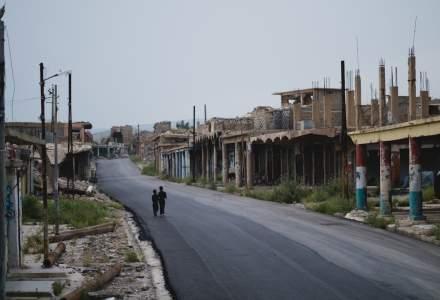 Kurzii anunta ca 800 de rude ale jihadistilor din gruparea Stat Islamic au evadat duminica din tabara de refugiati Ain Issa, din nordul Siriei