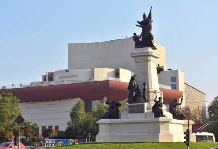 """Firea """"trage"""" de statuia de la Universitate: PNL n-a avut nicio contributie!"""