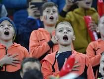 30.000 de copii la meciul...