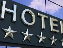 Cate hoteluri de 5 stele sunt...