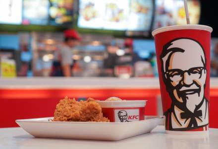 Protectia Consumatorului: Am descoperit bacterii coliforme, enterococi si Clostridium in gheata folosita de KFC in bauturi