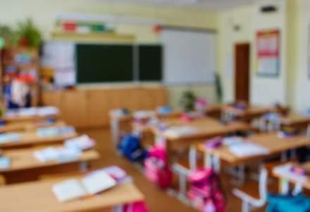 Profesorii trag un semnal de alarma dupa reducerea numarului de ore al elevilor: 25.000 de cadre didactice isi vor pierde joburile