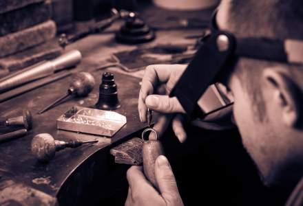 Monetaria Statului isi face clasa profesionala de gravori si bijutieri, din cauza ca nu mai gaseste angajati in piata. Ultimii specialisti ies la pensie