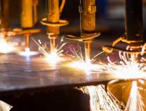 Eurostat: Industria trage in...