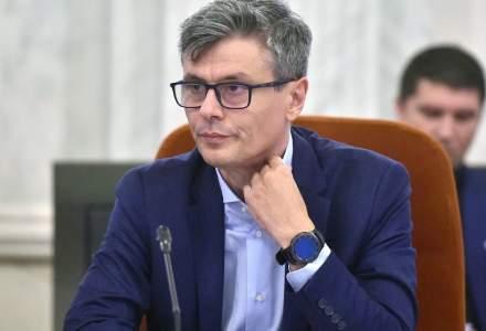 Virgil Popescu: Nu este incompatibilitate daca sotia administreaza benzinarii Petrom