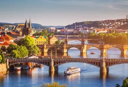 Locuitorii din Praga s-au saturat de turisti, la 30 de ani de la Revolutia de Catifea