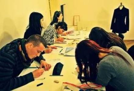 Adrian Oianu, designerul care a lansat o scoala de creatie vestimentara: Cat de dezastruoasa e scoala romaneasca? In 20 de ani nu a scos 100 de designeri