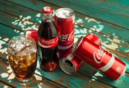 Istoria a 30 de ani de capitalism intr-o sticla de bautura racoritoare: sistemul Coca-Cola in Romania