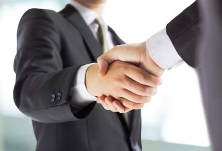 Doi bancheri de investitii isi unesc fortele si creeaza un boutique de consultanta pentru a ajuta antreprenorii romani