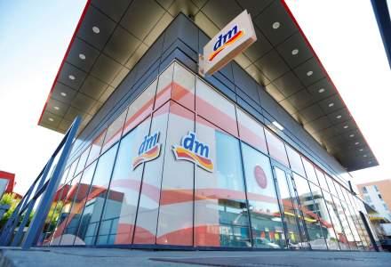 Retailerul german dm drogerie markt simte in Romania criza fortei de munca: este dificil sa gaseasca casieri in Timisoara si Bucuresti