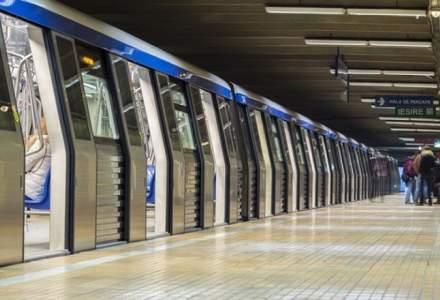 UPDATE Un barbat a incercat sa se sinucida la metrou: S-a intins pe liniile de tren, dar a scapat nevatamat