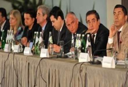 Romani cu afaceri de 3 mld. euro: Politicienii fac poze cu noi inainte de campanie si apoi ne uita
