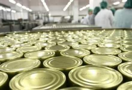 Producatorii de conserve acuza hipermarketurile ca ii sufoca cu taxe care ajung la 50% din pret