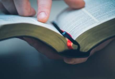 Pacientii din spitalele bucurestene primesc 900 exemplare din Noul Testament cu Psalmii