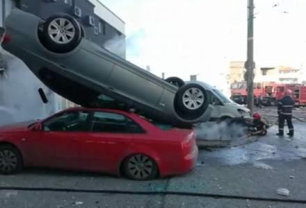 Explozie puternica in Galati. Cel putin 4 masini au fost avariate, dintre care una aflata in miscare