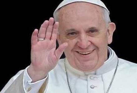 Contul de Twitter al Papei Francisc a depasit 6 milioane de abonati