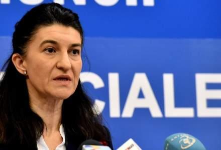 Violeta Alexandru: Cresterea salariului minim a fost decisa la finalul unei sustinute activitati de analiza, nu din pix