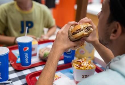 Record pentru Burger King din AFI Cotroceni - peste 6.000 de clienti serviti cu 7.000 de burgeri, in primul weekend de la deschidere