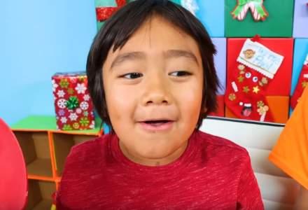 Vedeta anului pe YouTube: Un copil de 8 ani cu venituri de 26 mil. dolari