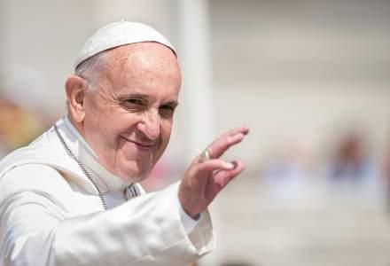 Papa Francisc, mesaj de Craciun: Sa nu asteptam ca vecinul nostru sa devina bun pentru a-i face bine