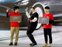 Elon Musk a dansat pe scena...