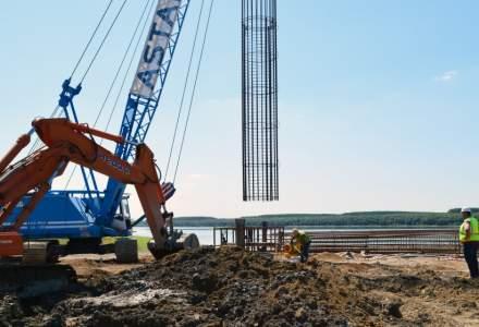Metroul spre Otopeni, blocat: Nici constructorul nu a fost ales