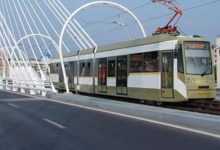 Licitatia pentru cele 100 de tramvaie din Bucuresti a fost din nou suspendata