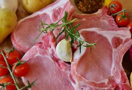 ANPC a amendat cu 2 milioane de lei mai multi retaileri care comercializau carne expirata