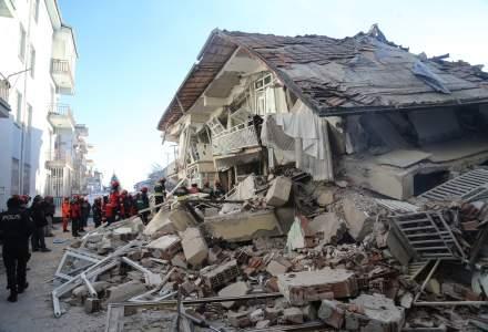 Cutremur in Turcia: Cel putin 21 de morti si 1.000 de raniti