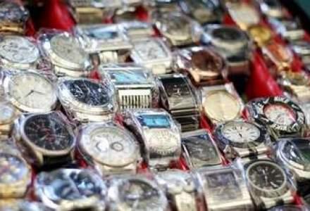 Contrabandistilor le plac ceasurile elvetiene: statistica SOC despre bijuteriile si hainele contrafacute