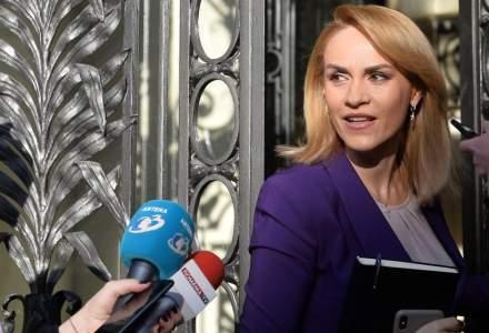 Gabriela Firea: Bucurestenii vor primi masti anti-gripa de la soferii si controlorii STB