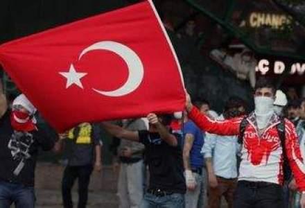 Turismul, victima colaterala a protestelor din Turcia. Grecia ar putea avea de castigat
