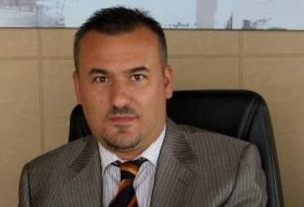 Leonard Leca, directorul financiar al Tiriac Holdings, preia functia de CEO, dupa plecarea lui Petru Vaduva