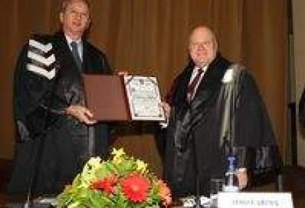 James Grunig primeste titlul de Doctor Honoris Causa din partea Universitatii Bucuresti
