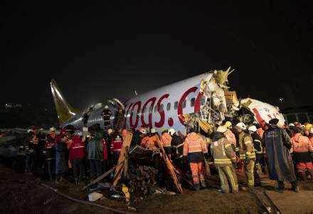 Un avion a iesit de pe pista si s-a rupt in trei la Istanbul. Bilantul: un mort si 157 raniti