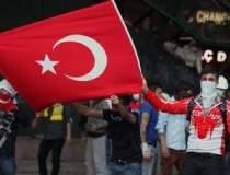 Protestatarii din Istanbul...