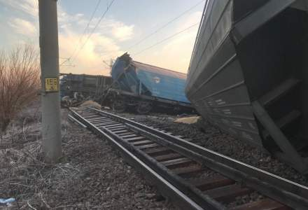 Tren de marfa deraiat: circulatie intrerupta, trenuri anulate, calatori preluati de alte trenuri
