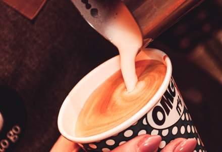 REPORTAJ | Ce înveți la cursul de barista 5 To Go: de la bobul verde de cafea, la espresso cu cremă de lapte