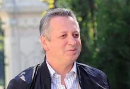 """Fenechiu recunoaste ca privatizarea CFR Marfa s-a facut """"cu pistolul la tampla"""""""