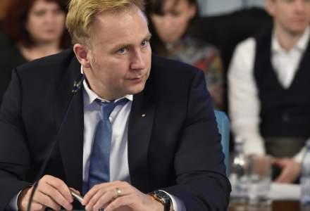Ministrul Sănătății, Victor Costache, discuții cu șefii hipermarketurilor: Avem stocuri de mâncare pentru o perioadă bună de timp